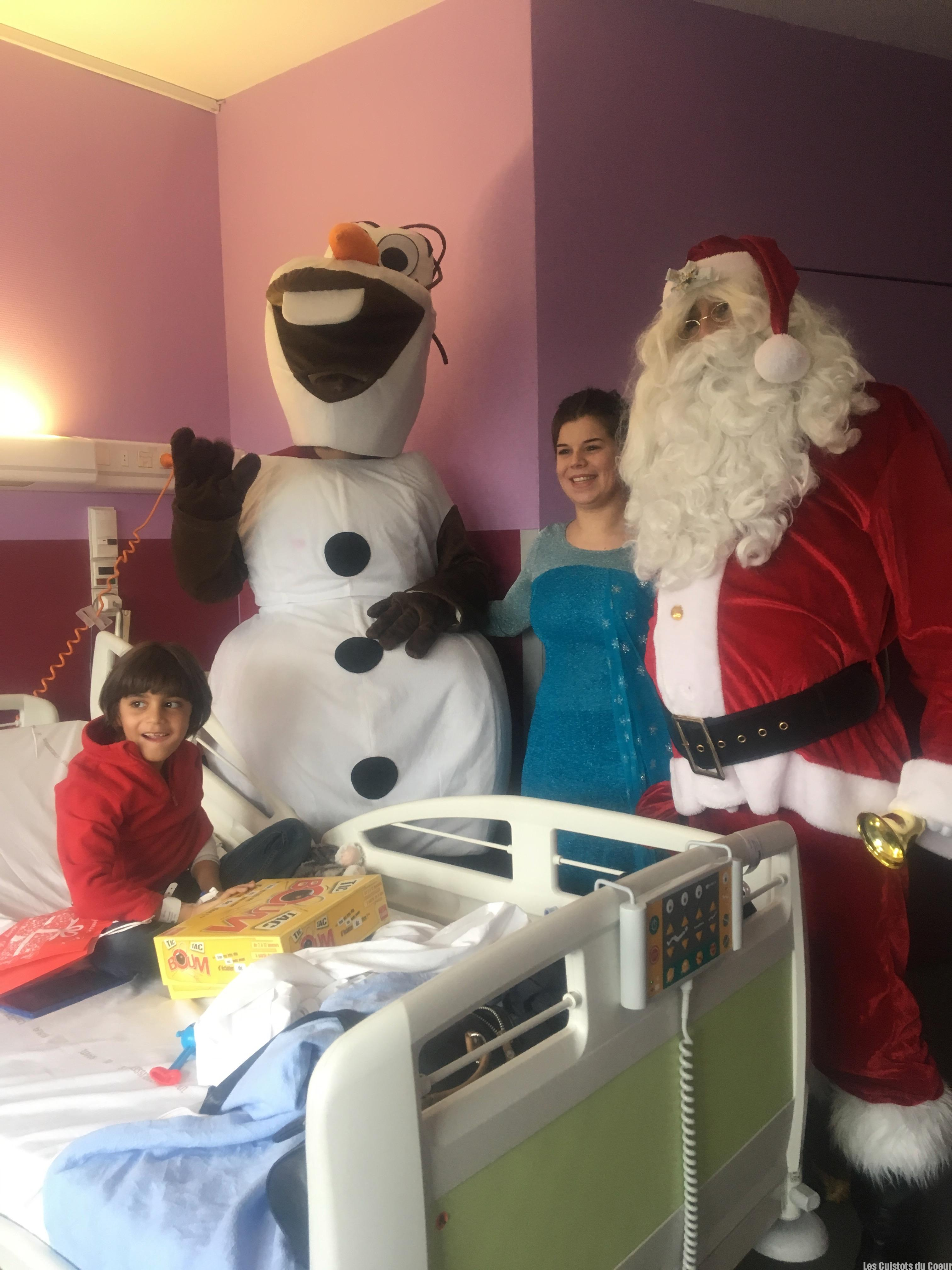 Olaf et la Reine des Neiges au chevet des enfants malades !